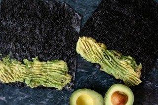 veggie_sushi_rolls_vegan_sushi1-320x213